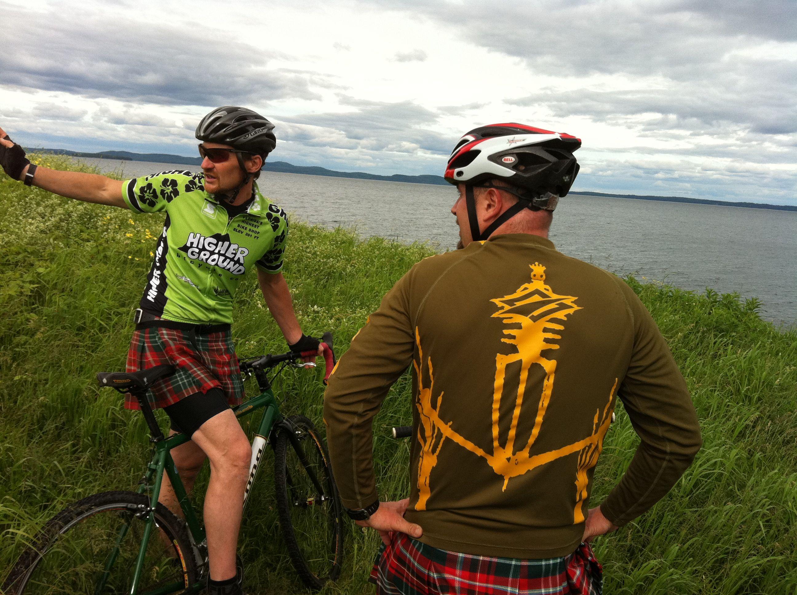 Fahrrad fährt man in New Brunswick gerne mal im Kilt